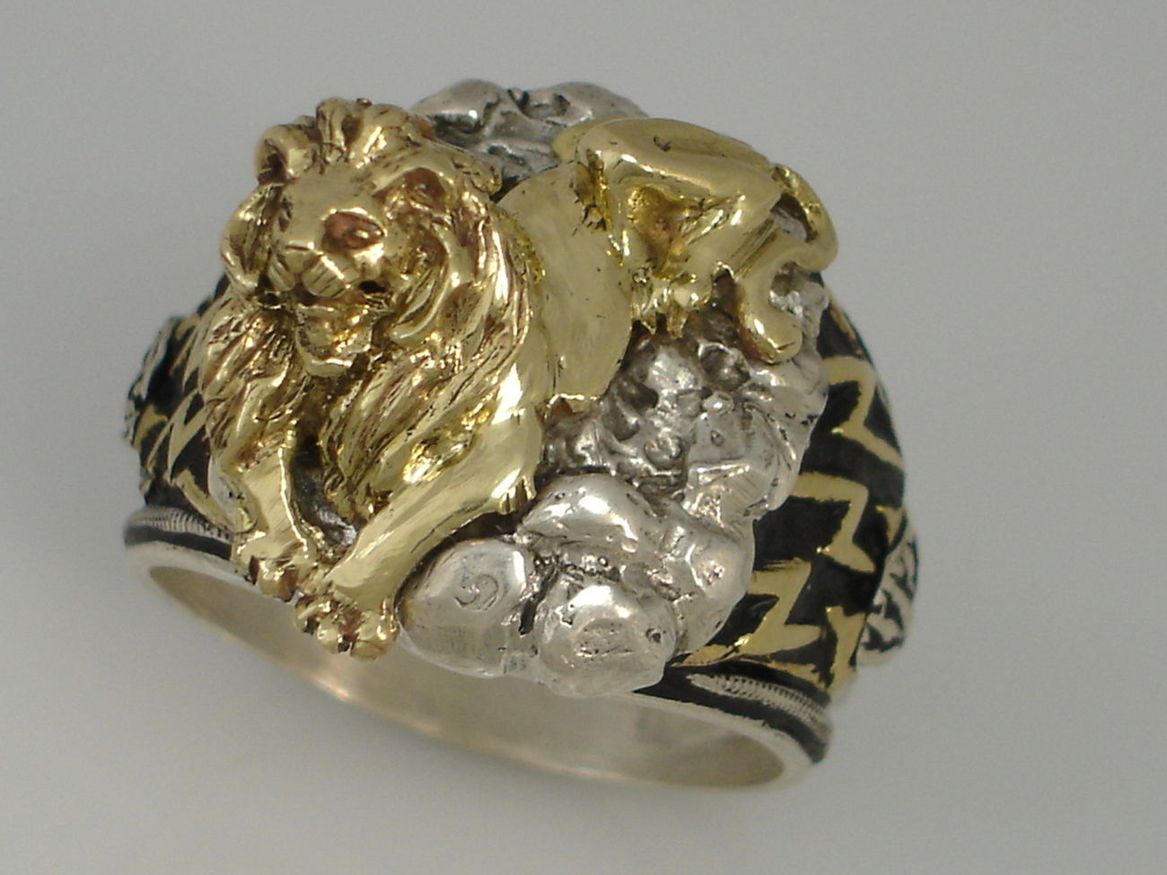 New York 42nd street Library Guardian LION Mens ring Sterling Silver Lge