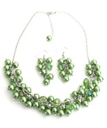 Cluster Necklace Grape Earrings In Kelly Green ... - $19.08