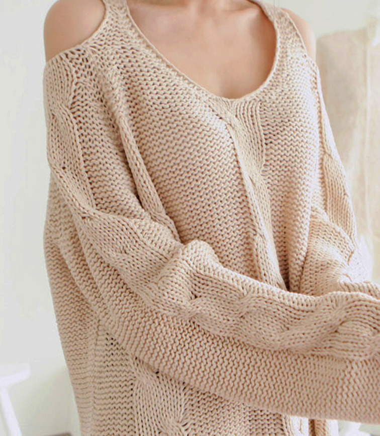 2012_autumn_winter_chunky_knit_loose_sweater_off_shoulder_closeup