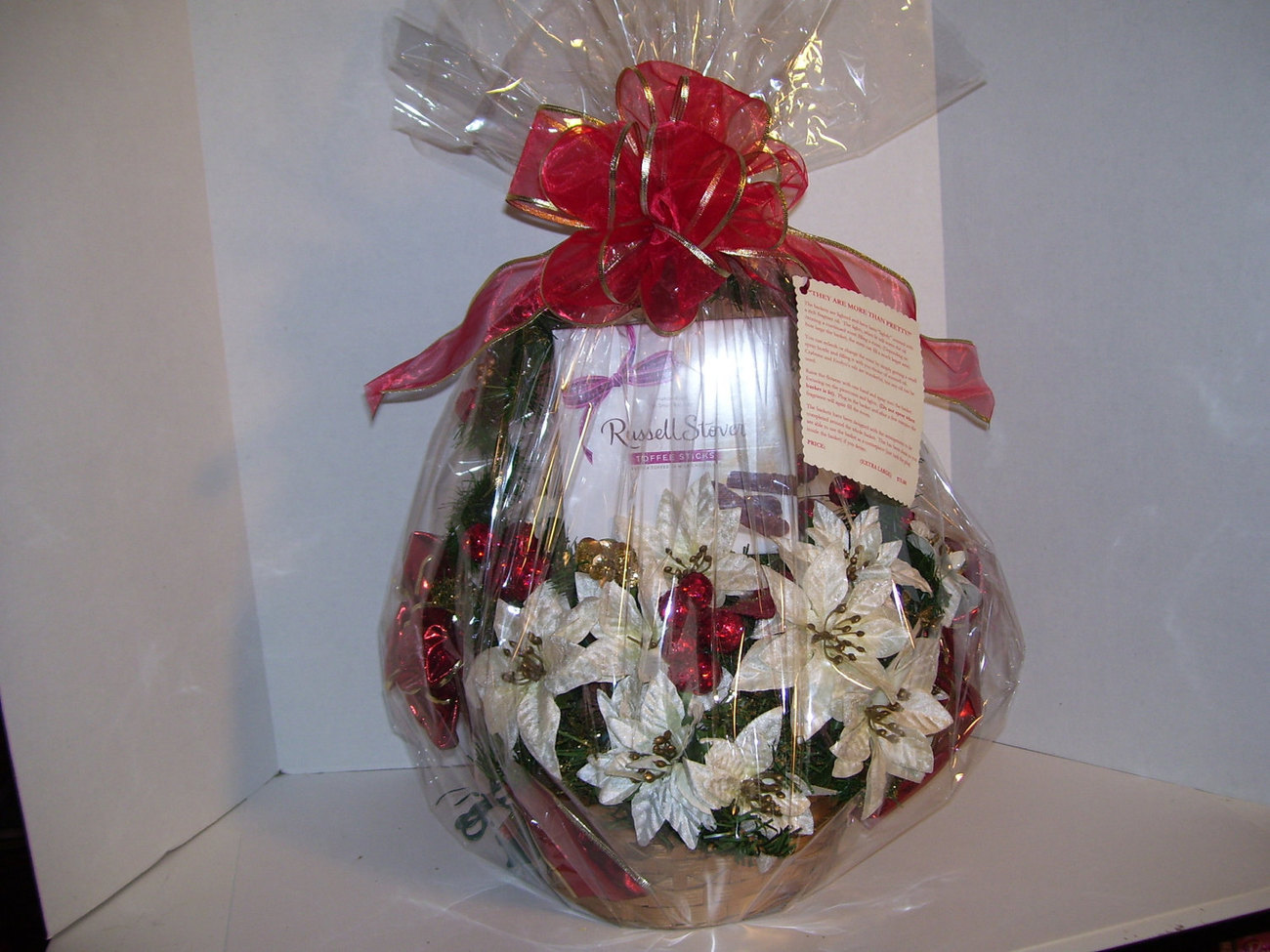 "Crabtree & Evelyn Noel Christmas Basket EXLARGE Russell Stover ""Open Me Now"""