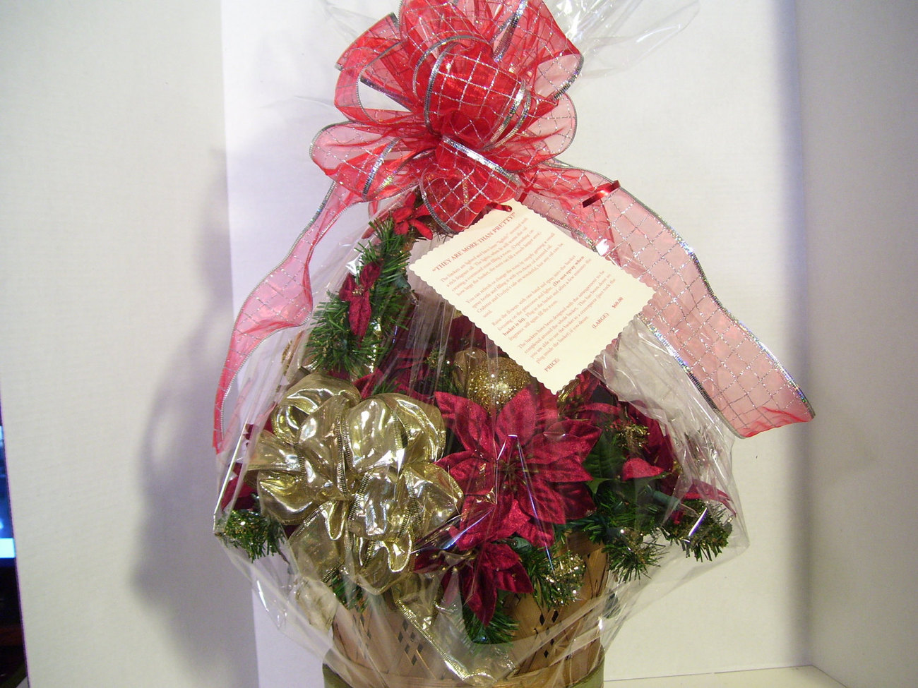 Christmas Gift Basket Red and Gold MEDIUM Lighted Scented Crabtree and Evelyn