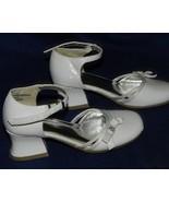 xHILARATION Girls Size 12½ White Patent Pumps NWOT - $15.99