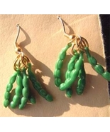 GREEN BEAN EARRINGS-Pea Pod Vegetable Food Char... - $6.97
