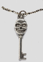 Skull_20skeleton_20key_20pewter_20necklace_thumb200