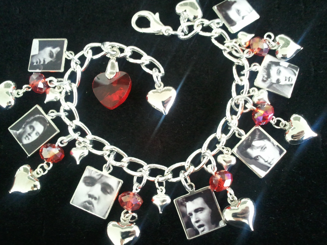ELVIS PRESLEY Charm Bracelet 7 Gorgeous Elvis Presley Photo Charms, THE KING!!