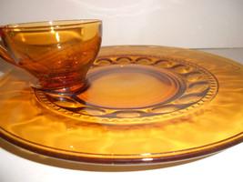 VINTAGE INDIANA AMBER GLASS SNACK SET PLATE SET - $14.84