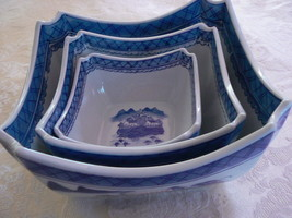 Vintage Blue White Oriental Nesting Bowls Set o... - $34.70