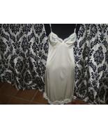 Vintage Ladies Adonna Size 34 Ivory Color Lacy Nylon Slip  - $293,23 MXN