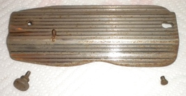 Singer 66-18 Striped Face Plate #32506 w/Thread... - $12.50