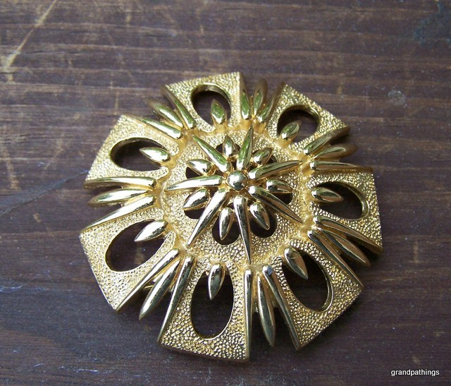 Brooch_pin_014