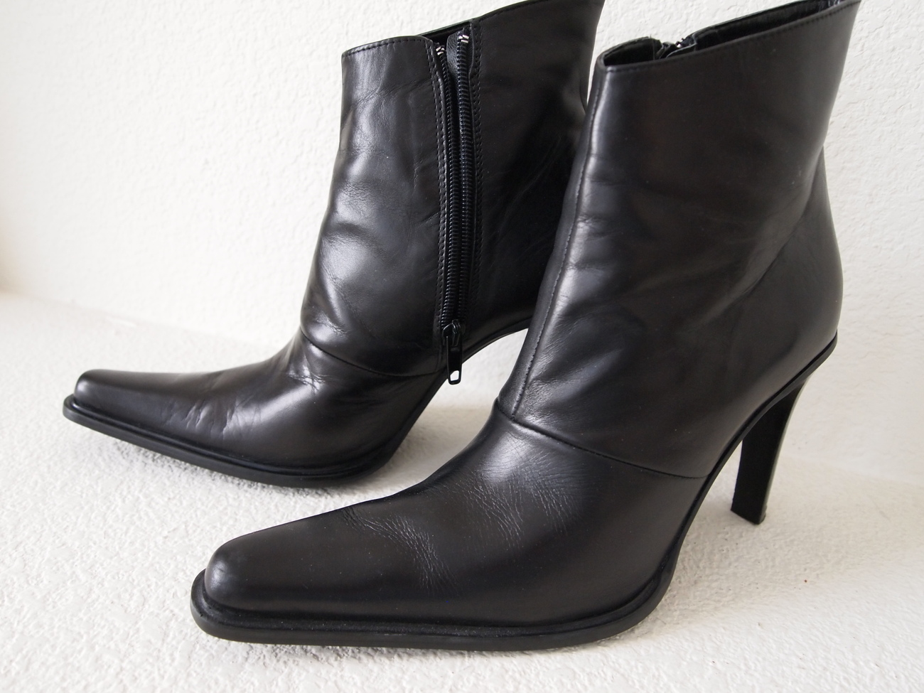 Benetton Black Leather Ankle Boots 38 M