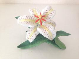 Lenox Fine Porcelain White Lily Flower Figurine... - $37.99