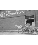 Horse And Buggy Outside Coca Cola Building Vint... - $23.30