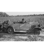 Men Pushing Car With No Front Wheels 1930's Vin... - $23.30