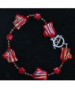 Red Art Glass Kitty Cat Bead Bracelet Adorable 8in - $6.00