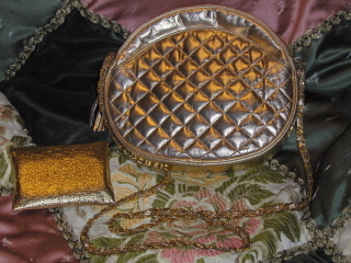 Gold_purses_015