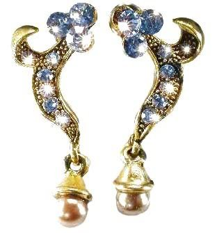 Ne-heavy-blue-gold-ear