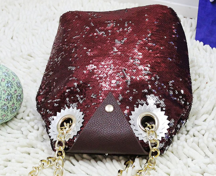 Sequins_owl_bag_burgundy_flat