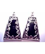 Black and silver dangle earrings - $2.01