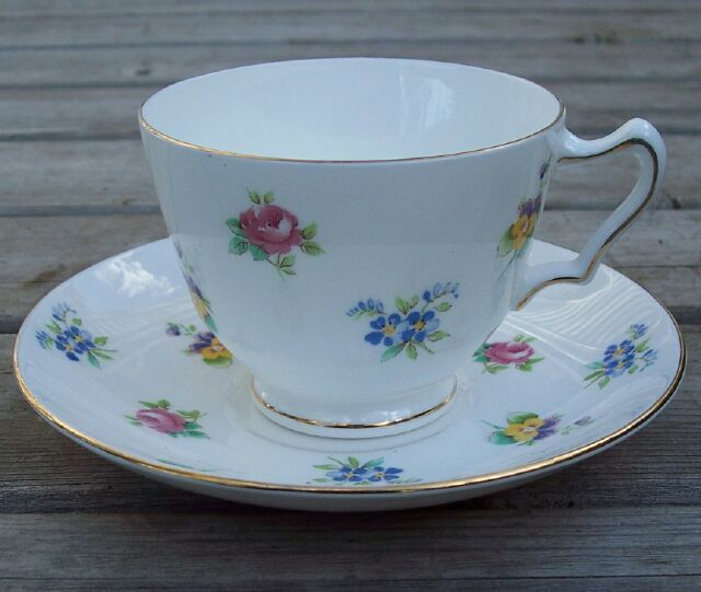 Crown Staffordshire Floral Tea Cup & Saucer Set Mint