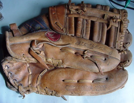 Baseballglove3