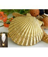 Vintage Scallop Seashell Necklace Shell Cork Wo... - $18.95