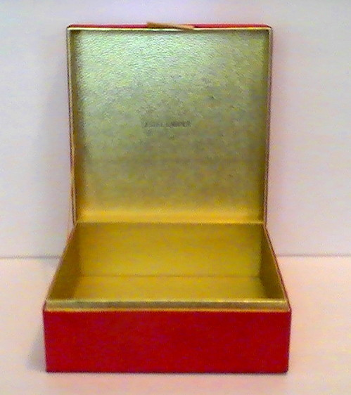 Estee_lauder_cosmetic_and_jewelry_dresser_box_red_velour_gold_009