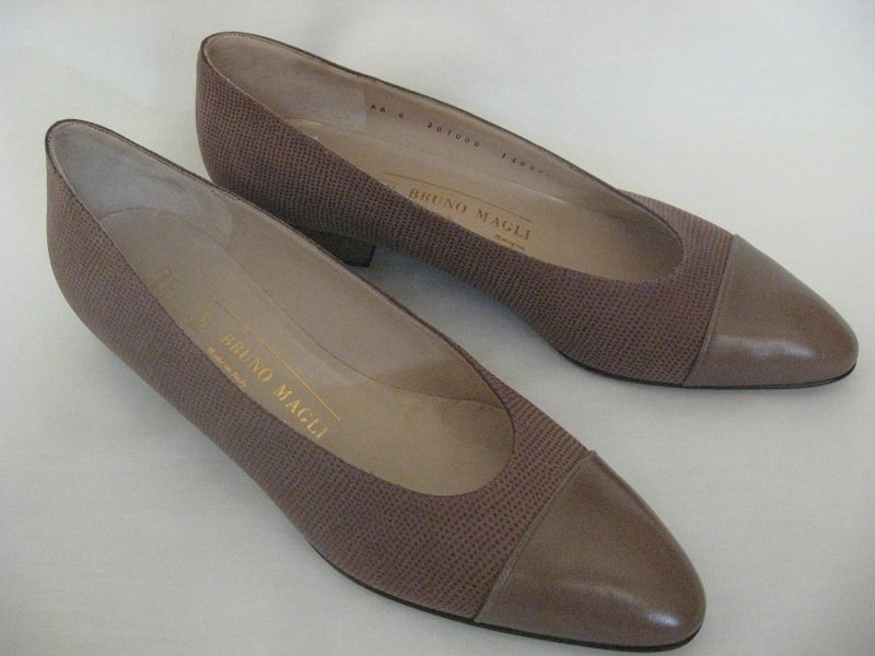BRUNO MAGLI Womens Shoes Pumps Flats Sz 8 Brown Low Heel New Italy