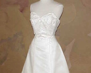 Style B100-2 / Strapless Wedding Dress / Ivory Bridal Gown / Darius Cordell Fash