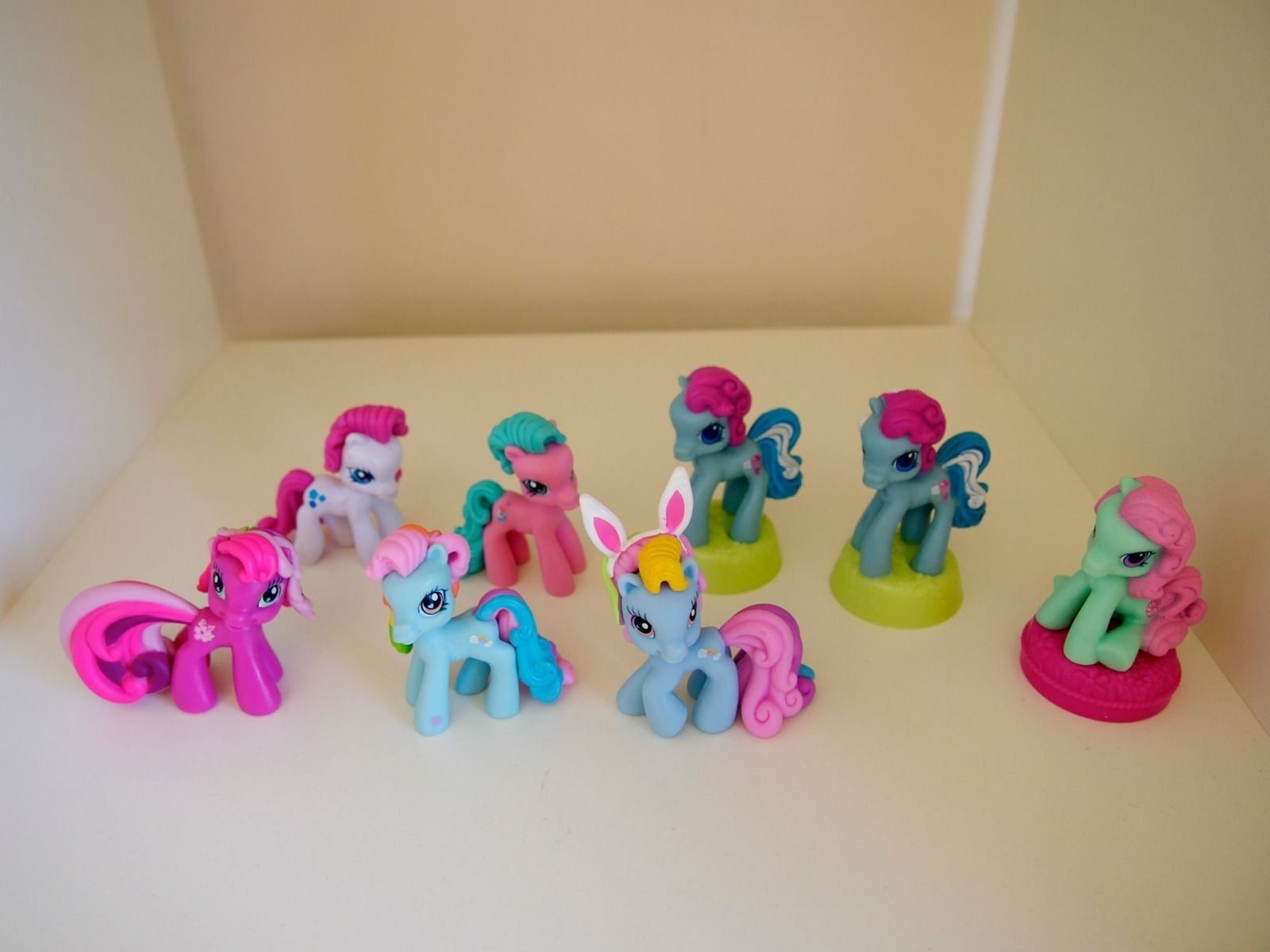 My Little Pony Ponyville Mini Figures Rainbow Dash Minty Blossomforth Starsong 1990 Now
