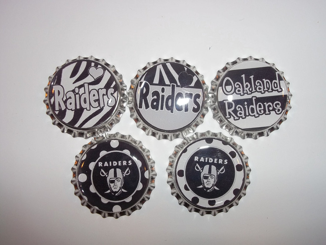 RAIDERS Wild Inspired  set of 5  Bottle Caps bottlecaps