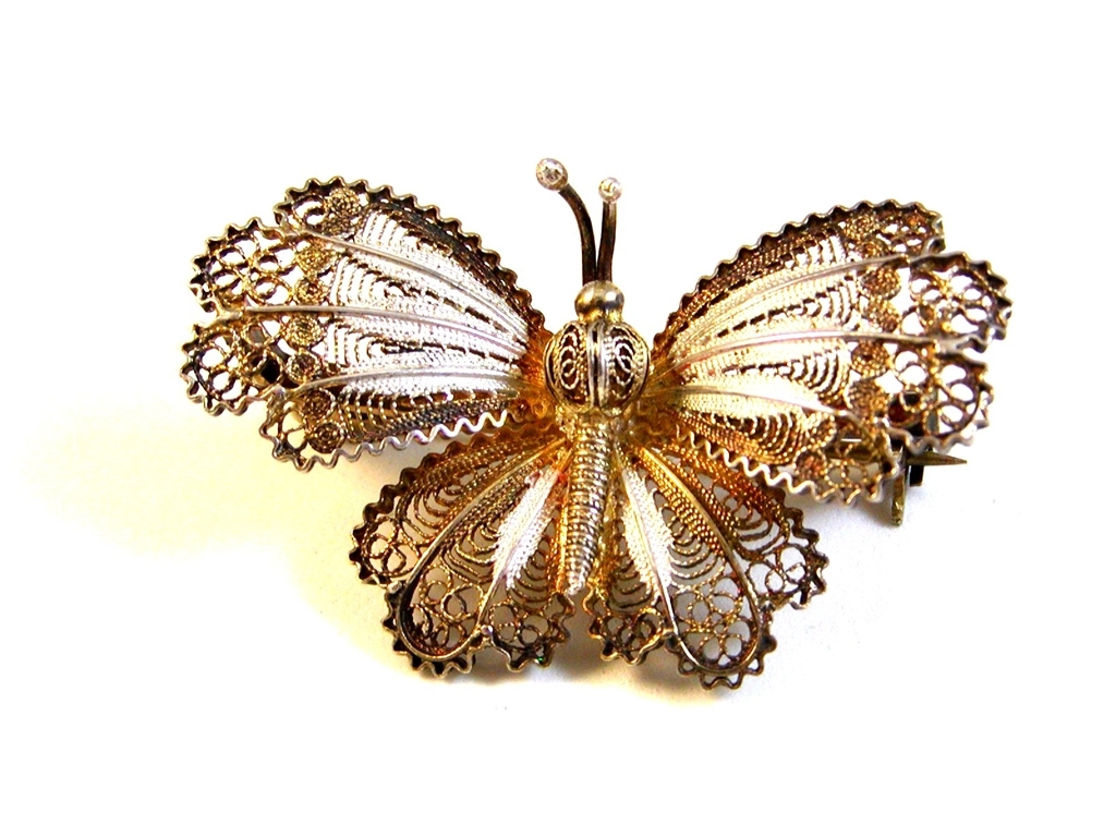 Vintage 800 Silver European Filigree Butterfly Brooch