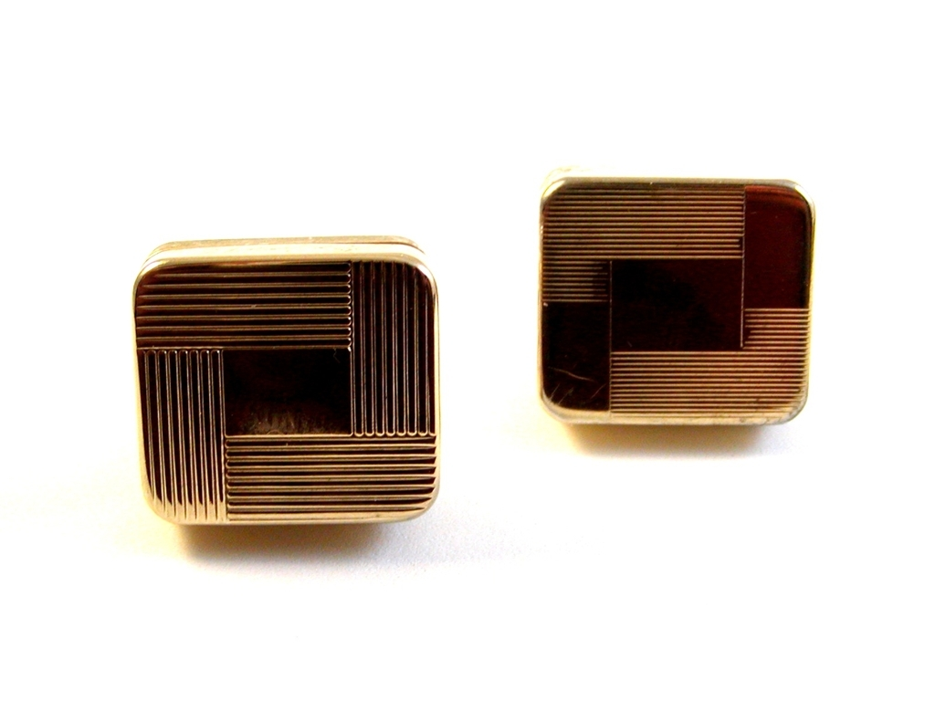 Vintage 1950's - 70's Gold Tone Secret Compartment Spy CIA ? Cufflinks