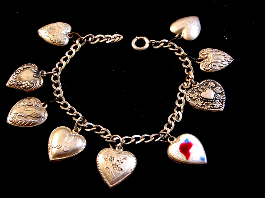 Victorian Sterling Silver Puffy Heart Charms USA American Flag   Bracelet   A