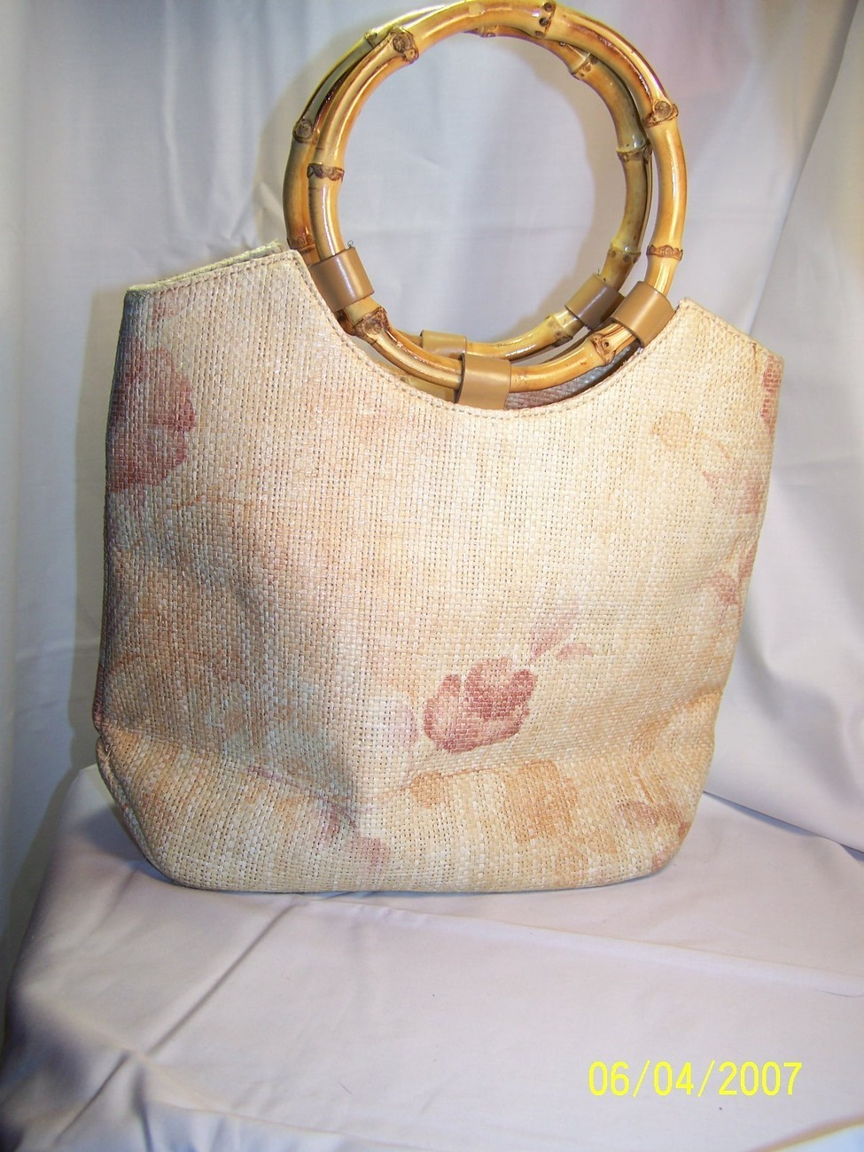 Amanda Smith Bamboo Straw Floral Hand Bag Purse