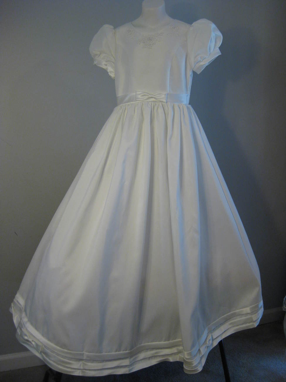Flower Girl Or Jr Bridesmaid Dress By L'amour Size 12 NWT
