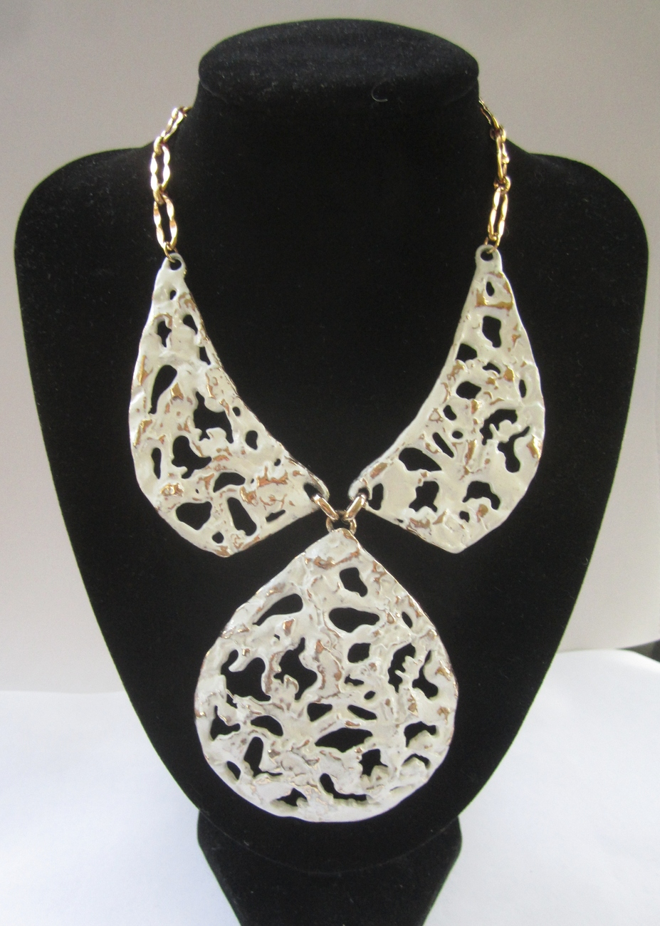White Enamel Modernist Necklace, by Napier. c. 1970s