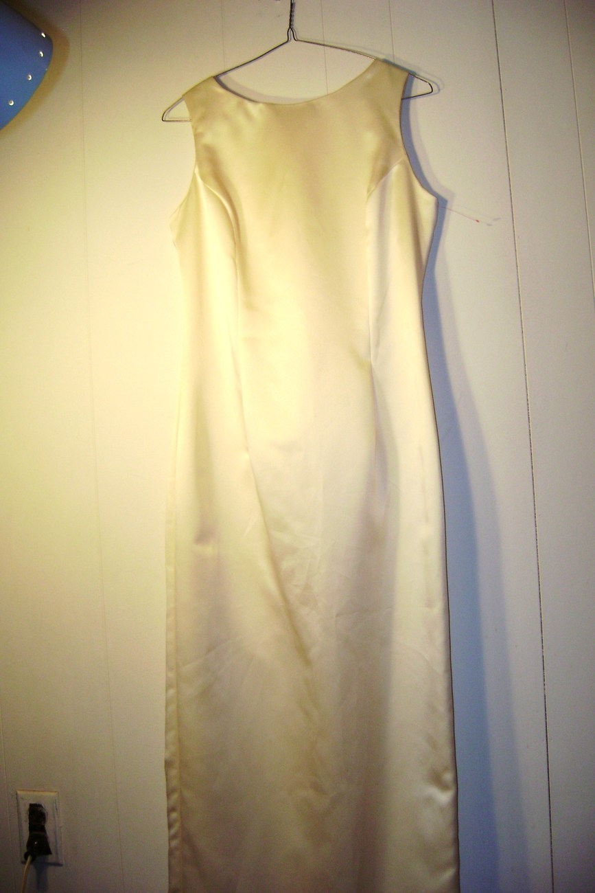&quot;Jessica McClintock&quot; bridal..Size 8..Pale Yellow Gown