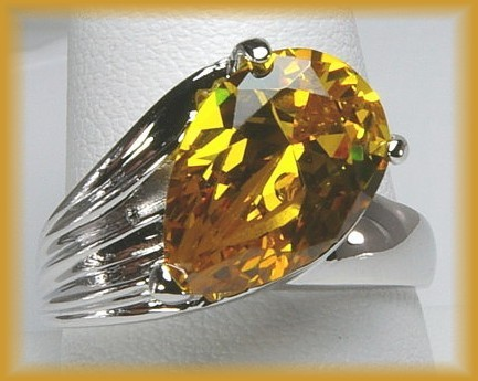 5 ct CZ Cocktail Ring TOPAZ   SZ 5 Very Unique  WOW