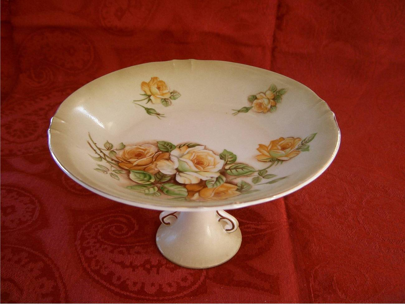 Pedestal_rose_plate_1