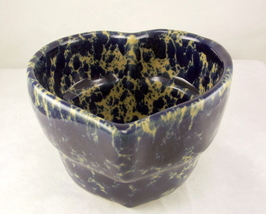 Bennington_pottery_blue_agate_heart_bowl_1_thumb200