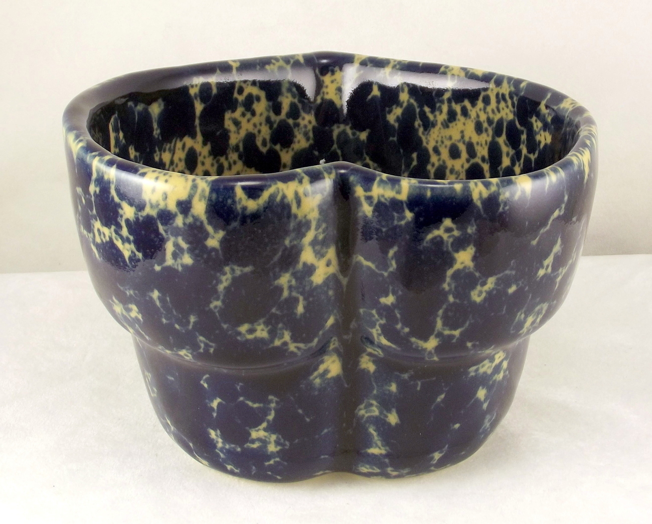 Bennington_pottery_blue_agate_heart_bowl_3