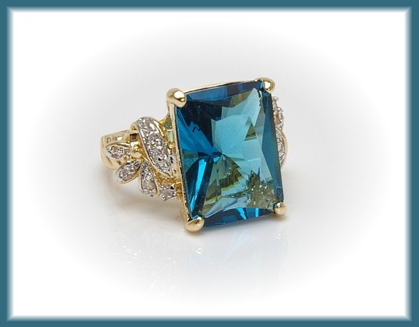 CZ Cocktail Ring BLUE TOPAZ - SZ 8 - BEAUTIFUL!