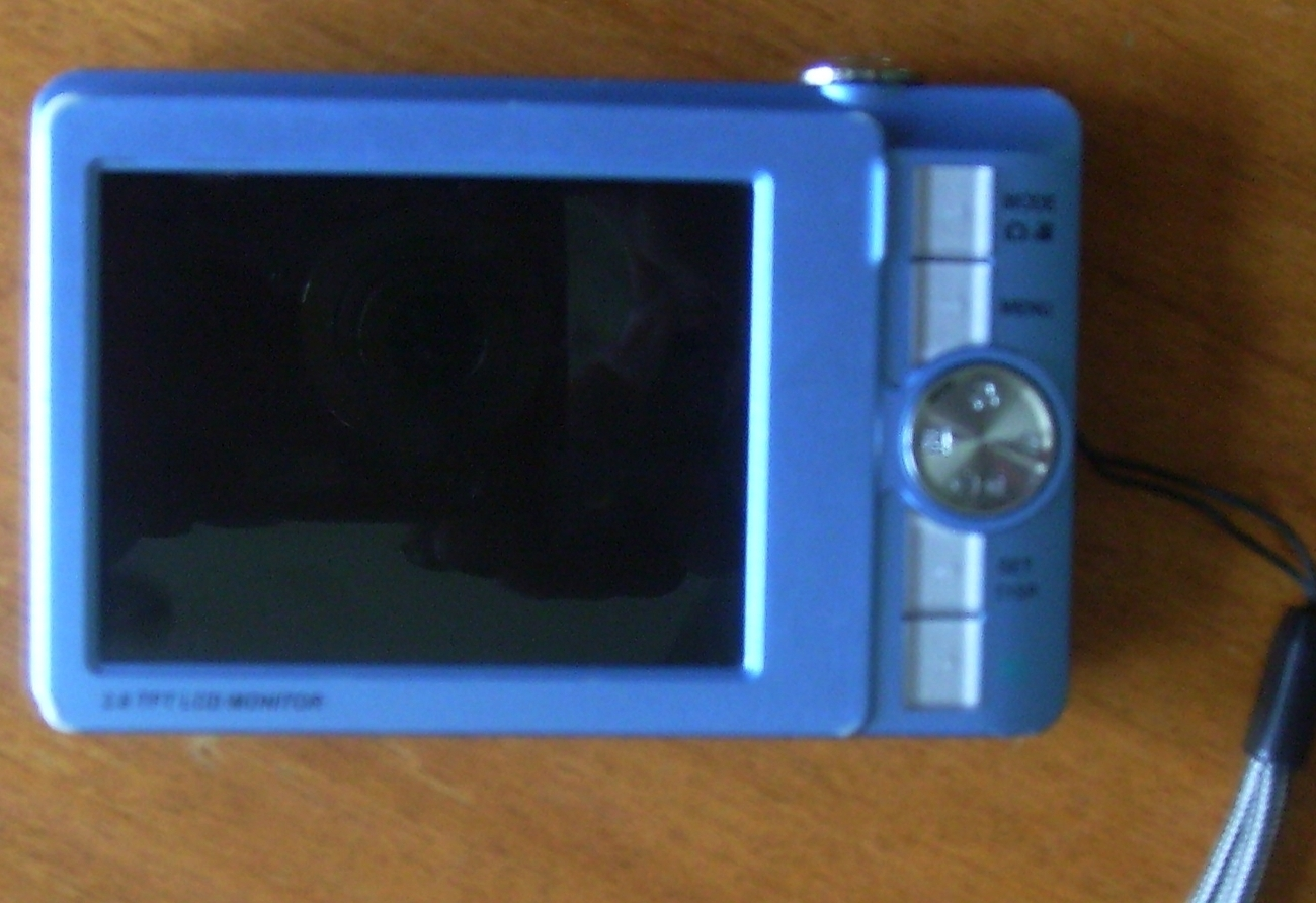Sanyo VPC T850 8.1 MP Digital Camera ~ Blue