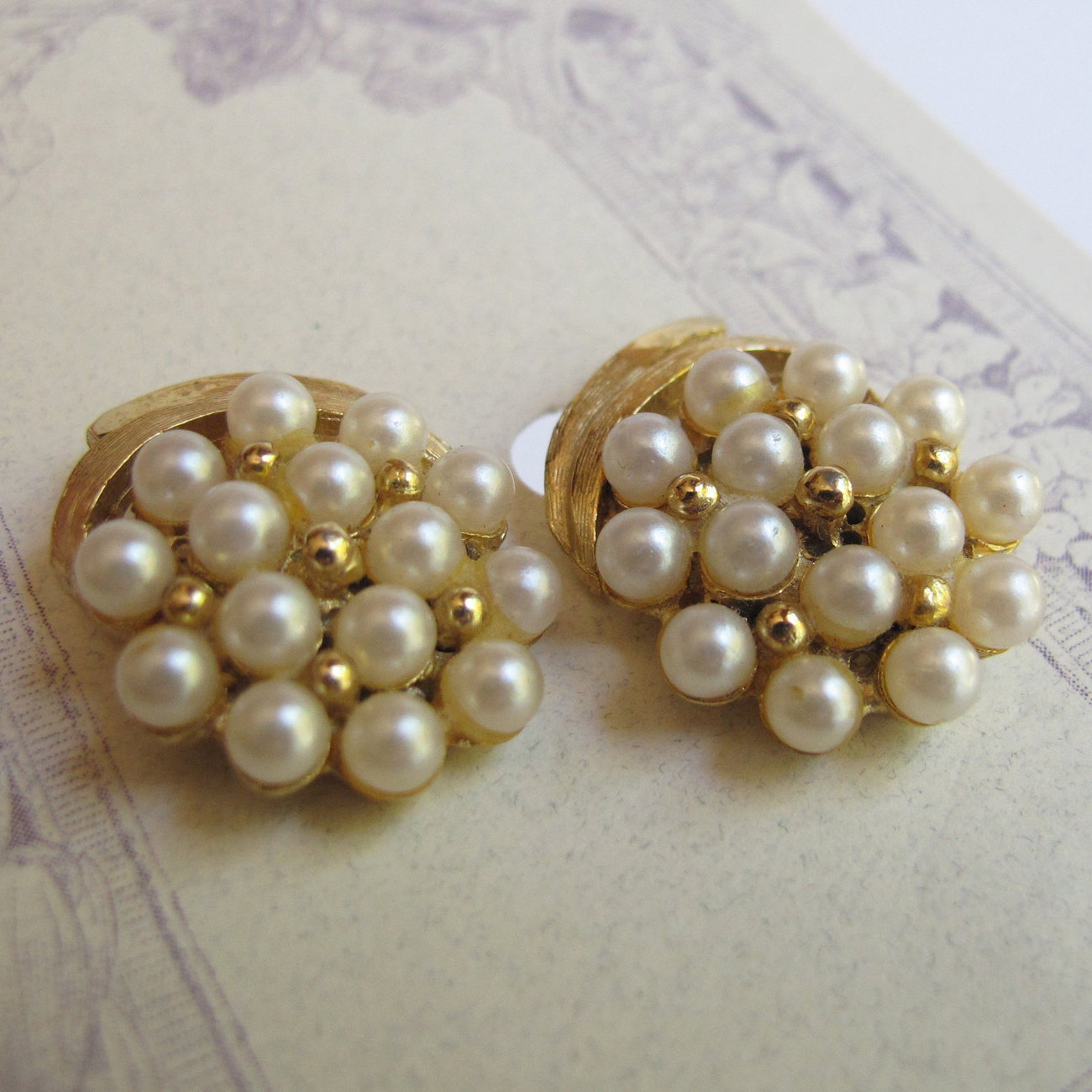 Elegant vintage pearl cluster button earrings