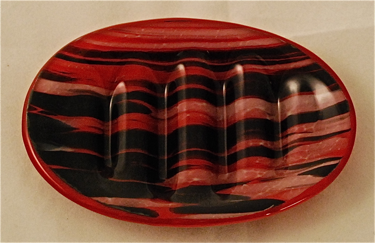 Red Black White Oval Fused Glass Soap Dish New