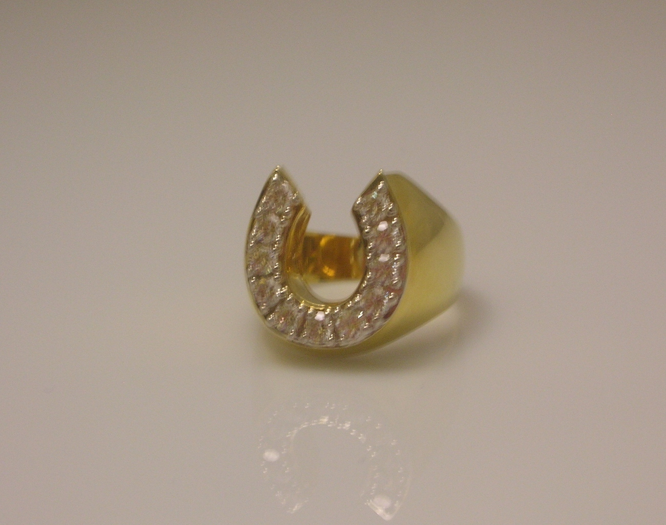 Horseshoe_cubic_zirconia_gold_mens_ring__7_