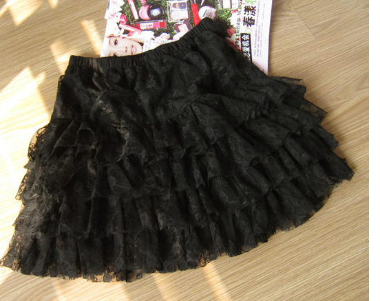 4_tiers_cake_skirt_black