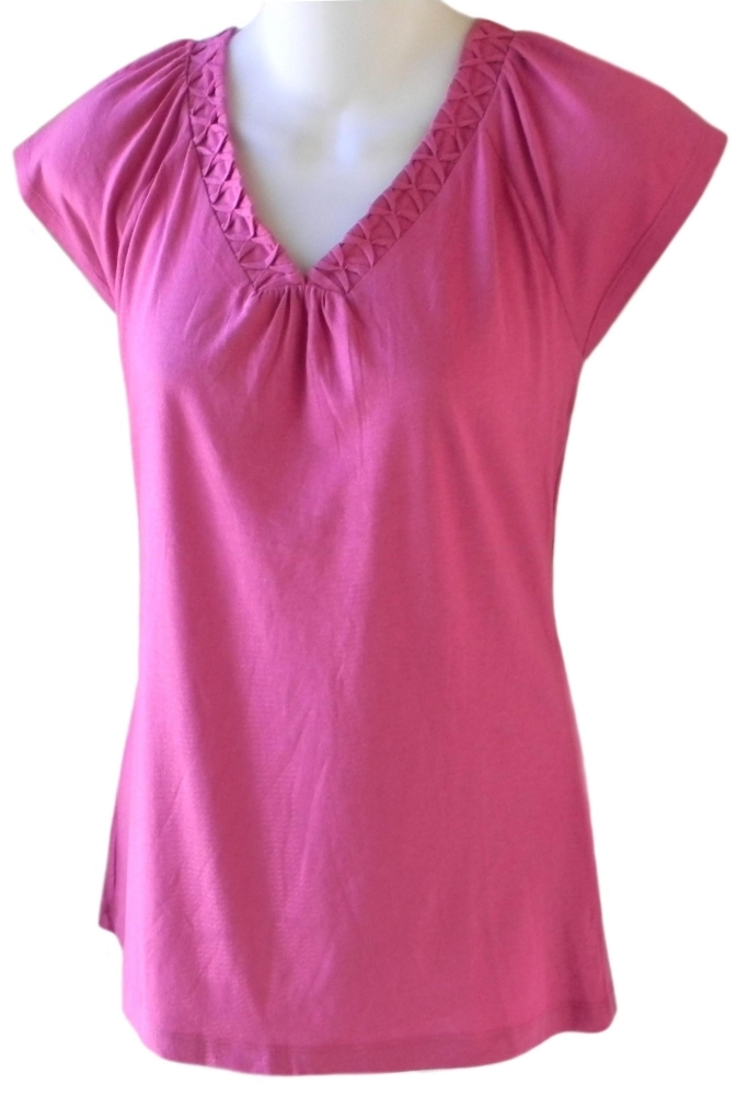 juniors size s v neck fuschia pink top womens clothing