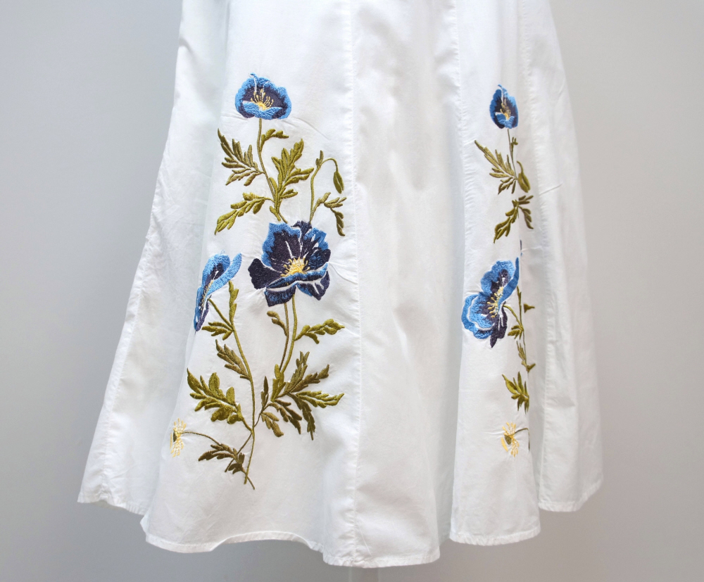 Flare_white_cotton_skirt_size_4